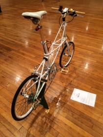 木調パーツをあしらったバイクルートオリジナル当店にて展示中1